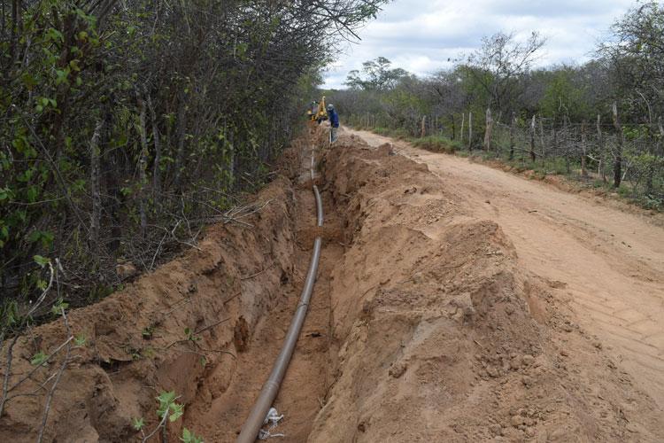 Coelba conclui instalação de energia e Embasa inicia canalização de água no presídio em Brumado