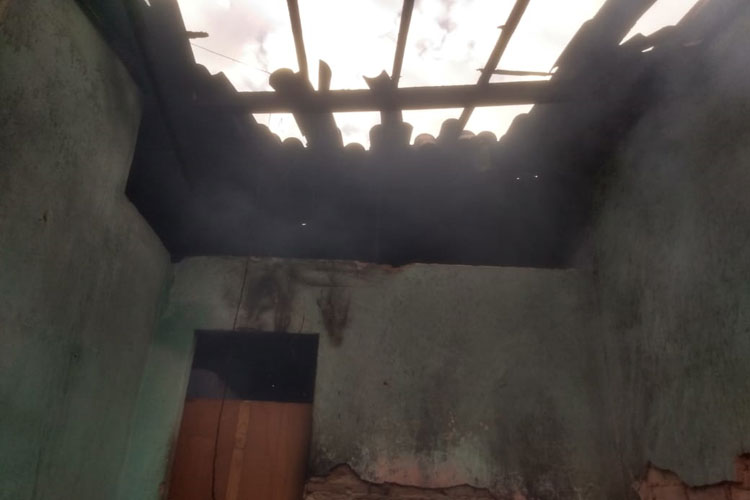 Brumado: Residência pega fogo no Bairro Dr. Juracy