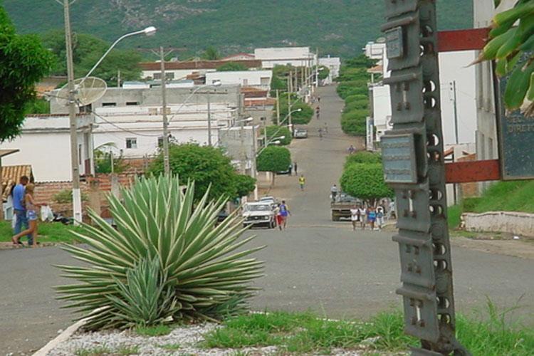 Vereadora pede suspensão dos pagamentos das contas de água dos moradores de Paramirim