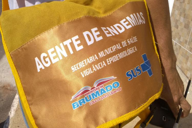 Brumado: Sem uniformes, agentes de endemias esbarram na desconfiança da comunidade