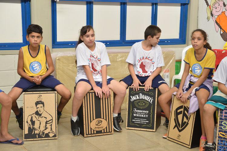 Escolas da rede municipal de Brumado recebem projeto musical gratuito