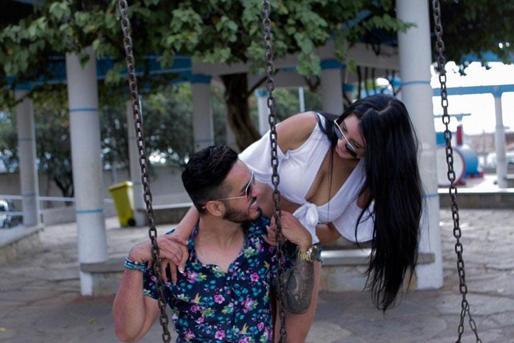 Sertanejo Chris Pimenta lança clipe da música 'Amando mais ou menos'