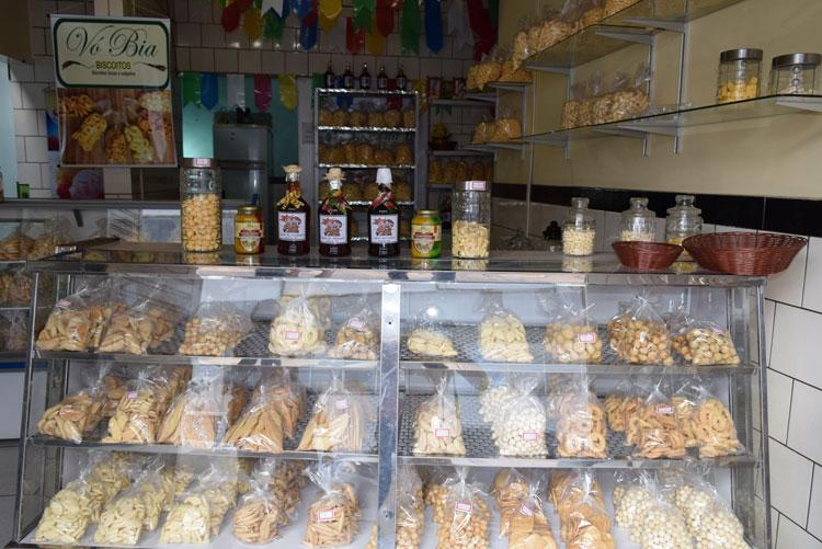 Em Brumado, as festas juninas têm mais sabor com o licor e os biscoitos da Vó Bia