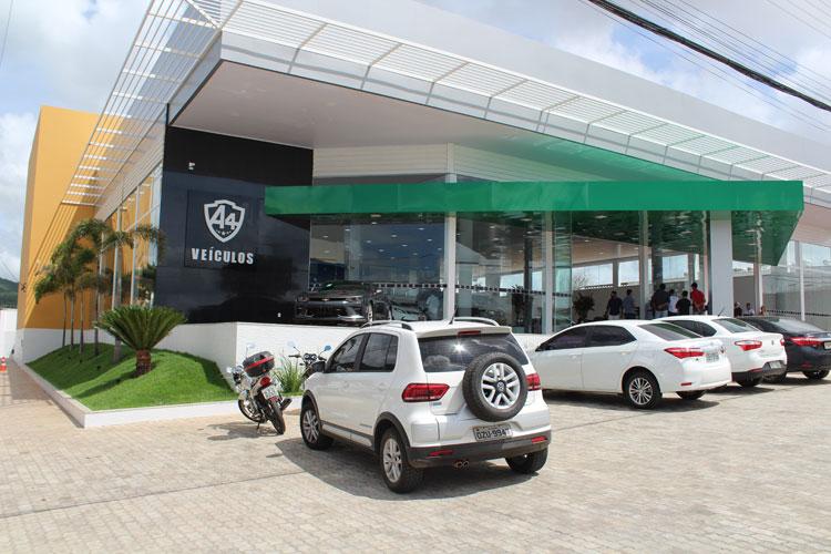 Com espaço amplo, conforto e bom gosto, A4 Veículos inaugura moderna loja em Brumado