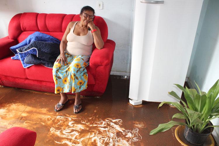 Brumado: Casa de baiana do acarajé volta a ser invadida pela chuva após obras da prefeitura