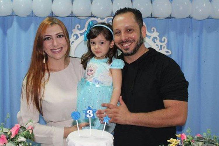 Homem mata mulher e filha a facadas no interior de Minas Gerais e comete suicídio