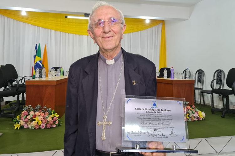 Bispo Dom Armando Bucciol recebe título de cidadão tanhaçuense