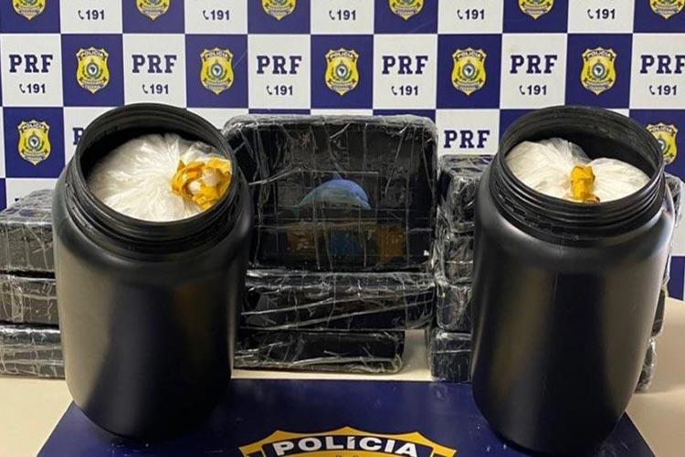 14 kg de cocaína são apreendidos dentro de táxi em Vitória da Conquista