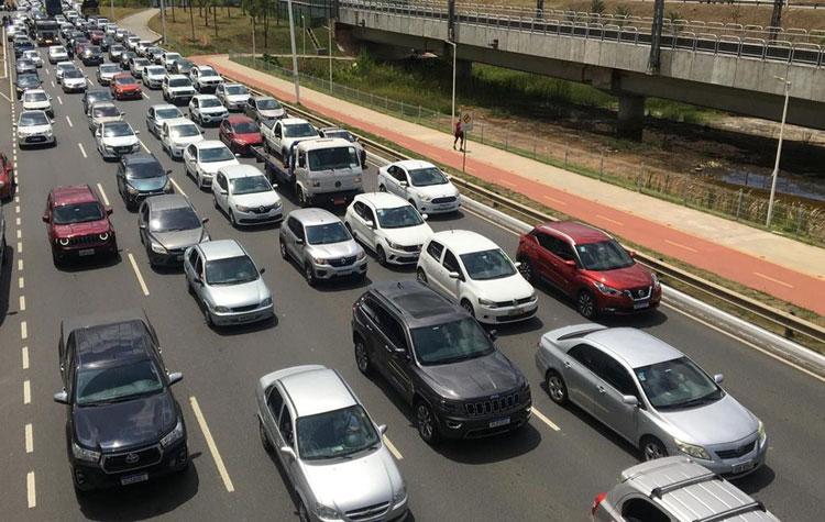 IPVA de veículos de transporte escolar, turístico e de autoescolas é prorrogado por dois anos na Bahia