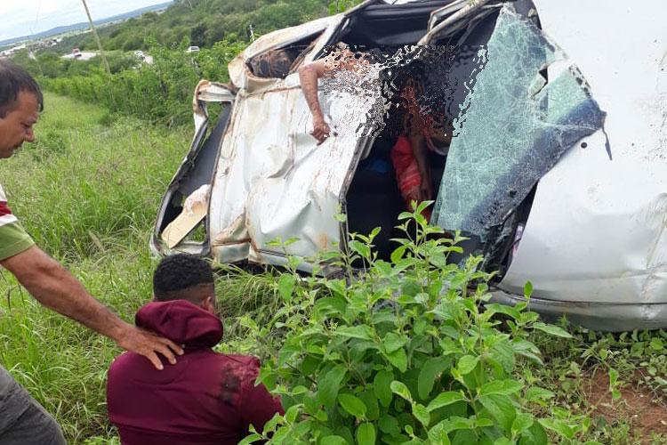 BR-030: Carro capota e uma pessoa morre no Distrito de Sussuarana em Tanhaçu