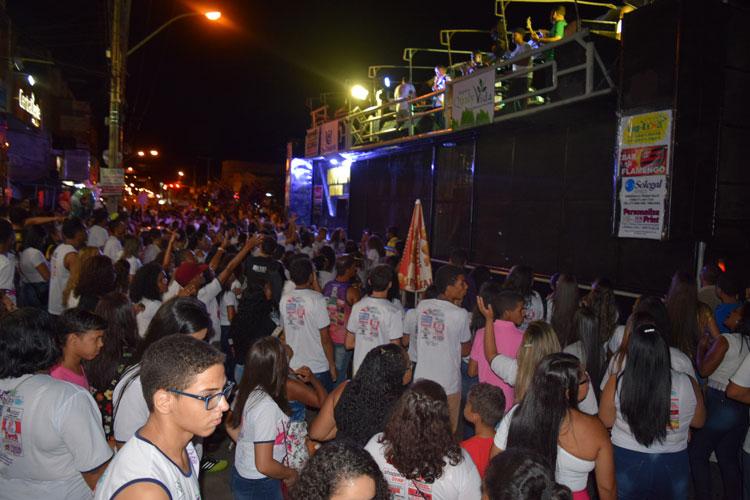Evangélicos oram pela paz e segurança durante Caminhada Para Jesus em Brumado