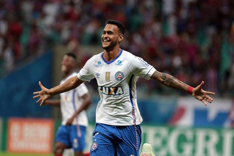 Júnior Brumado estreia no Brasileirão com gol que deu triunfo ao Bahia sobre o Santos