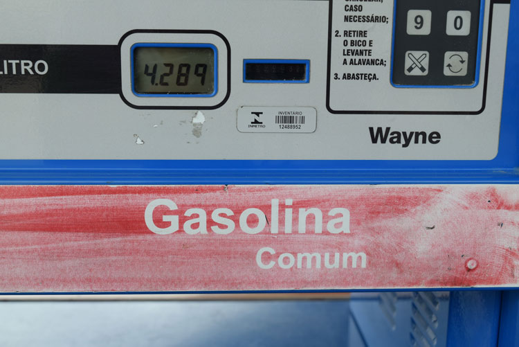 Combustíveis têm preços reajustados em meio a protestos em Brumado