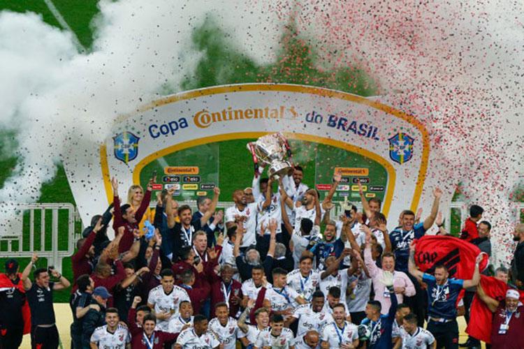 Athletico Paranaense vence Internacional e conquista título inédito da Copa do Brasil