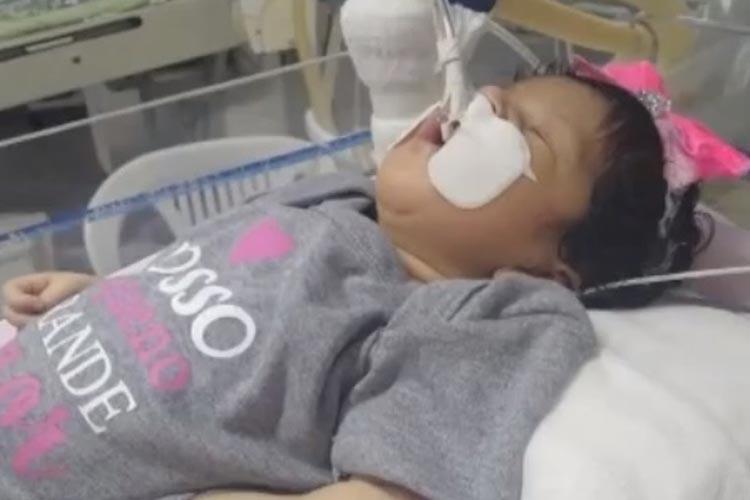 Vitória da Conquista: Bebê com problema no coração espera por transferência para unidade especializada