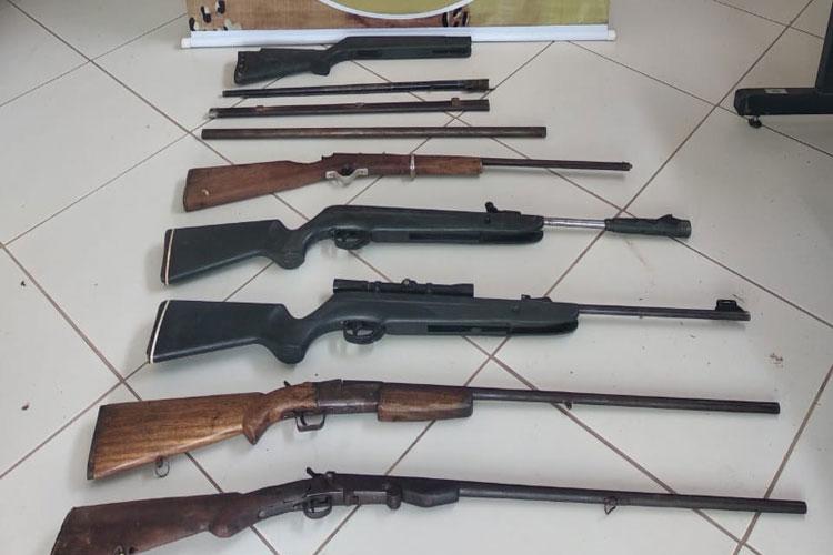 Homem usava tornearia do irmão para fabricar armas em Candiba