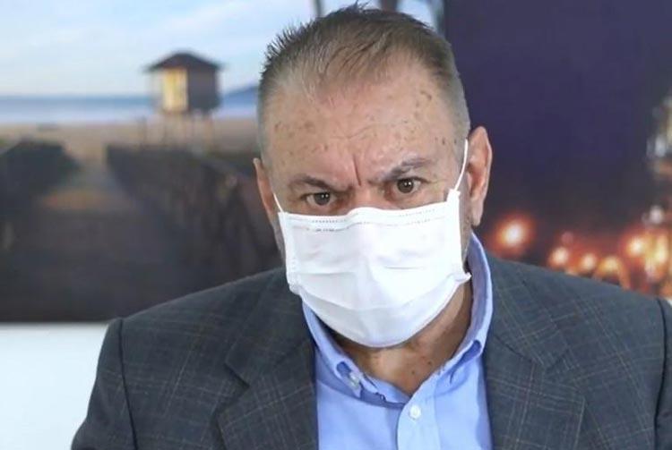 Prefeito de Itajaí sugere aplicação de ozônio pelo ânus como tratamento ao novo coronavírus