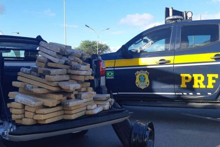 Jequié: Homem é preso após polícia achar mais 100 kg de maconha em caminhonete