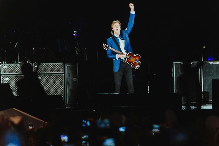 Paul McCartney encerra turnê com 53 mil pessoas na Arena Fonte Nova