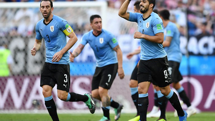 Uruguai vence a Arábia Saudita e vai às oitavas da Copa 2018