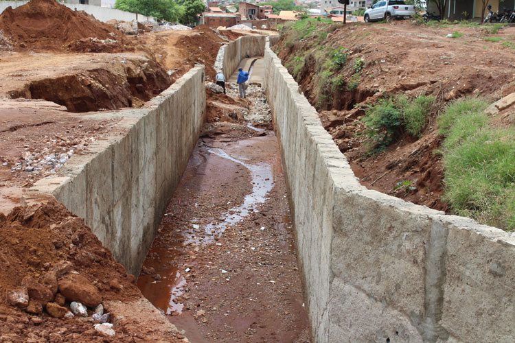 Promotoria de Justiça de Brumado investiga prefeitura por conta de obras de canais abertos