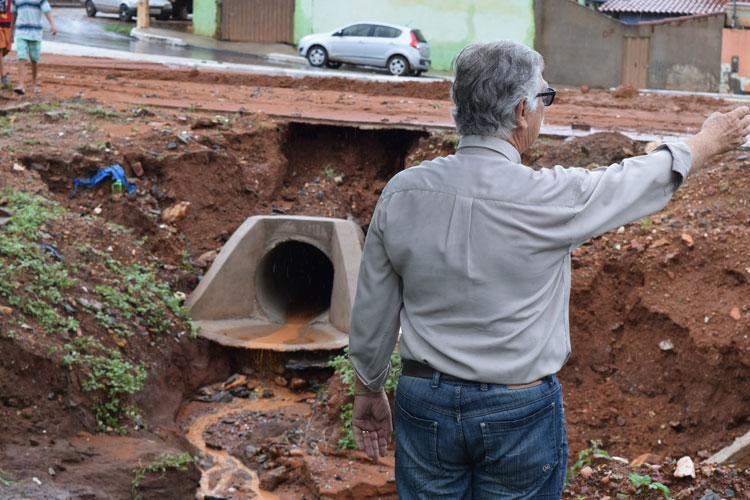 Prefeito culpa falta de esgotamento, Embasa e gestões passadas pelos estragos da chuva em Brumado