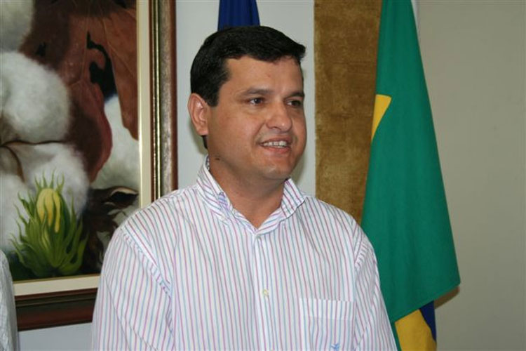 Moção repudia prefeito de Guanambi por demissão de 300 funcionários da educação