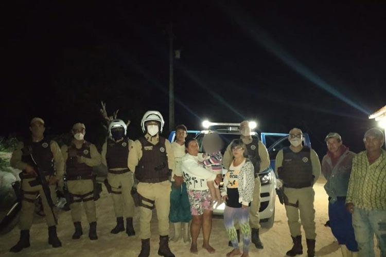 Polícia Militar e Brigada Voluntária localizam criança de 2 anos que se perdeu em cafezal em Barra da Estiva