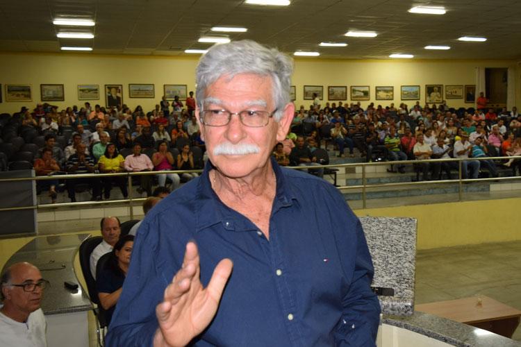 Brumado: Eduardo Vasconcelos faz pronunciamento tranquilizando a população quanto à cassação de seu mandato