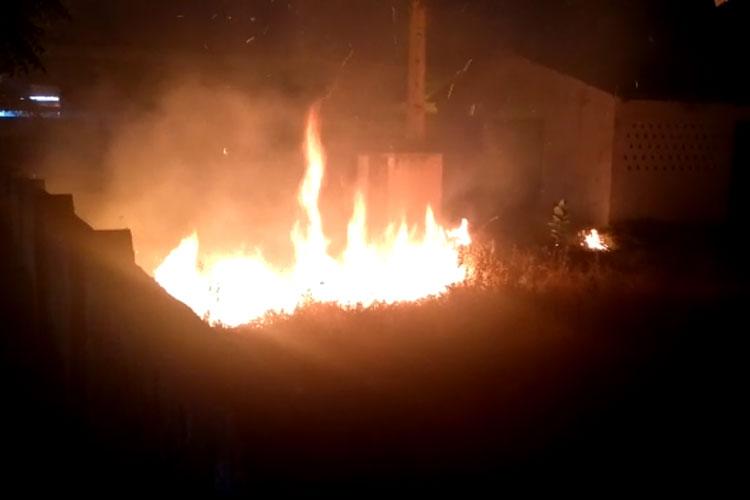 Brumado: Tentativa desastrosa de furtar fiação elétrica acaba em incêndio no extinto Derba