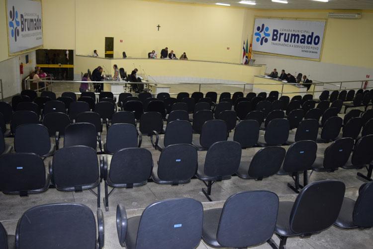 Câmara de Brumado adia votação das contas do ex-prefeito Aguiberto Lima Dias