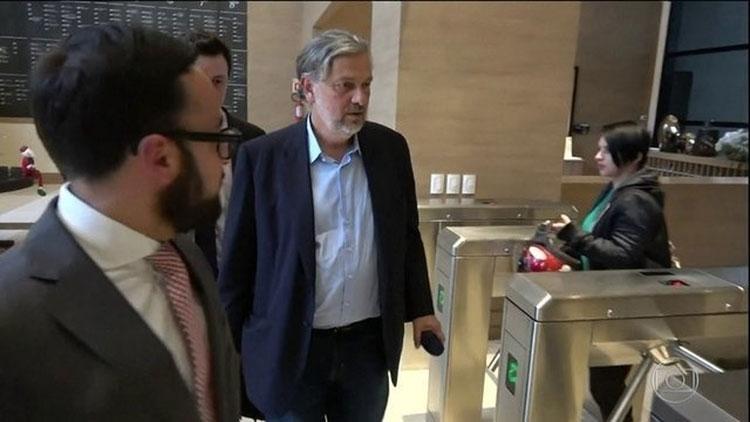 Lula recebeu propina em dinheiro vivo da Odebrecht, diz Palocci