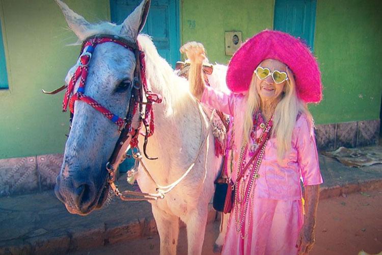 Macaúbas: Geraldo Luís e Domingo Show contaram a história de Isabel Maria, a idosa apaixonada por cavalgada