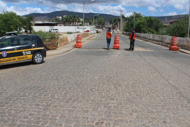 Brumado: Ponte João Ribeiro é interditada após fissuras que comprometem sua estrutura