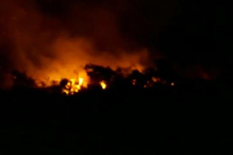 Incêndio atinge área de povoado da zona rural de Caetité