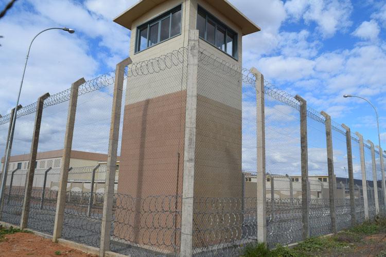 Embasa conclui instalação de água no presídio de Brumado