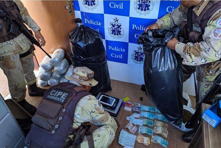 Policias federal, civil e militar apreendem 38 kg de maconha em Barra da Estiva