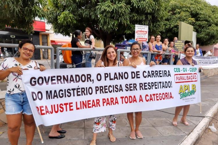 Governo da Bahia desconta dias de paralisação dos professores e a categoria pode deflagrar greve