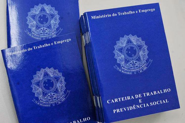 Brasil abre 43.820 vagas de emprego formal em julho