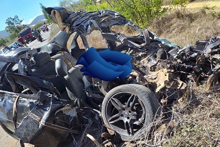 Ituaçu: Homem morre ao colidir veículo com ônibus escolar que transportava alunos para o Enem