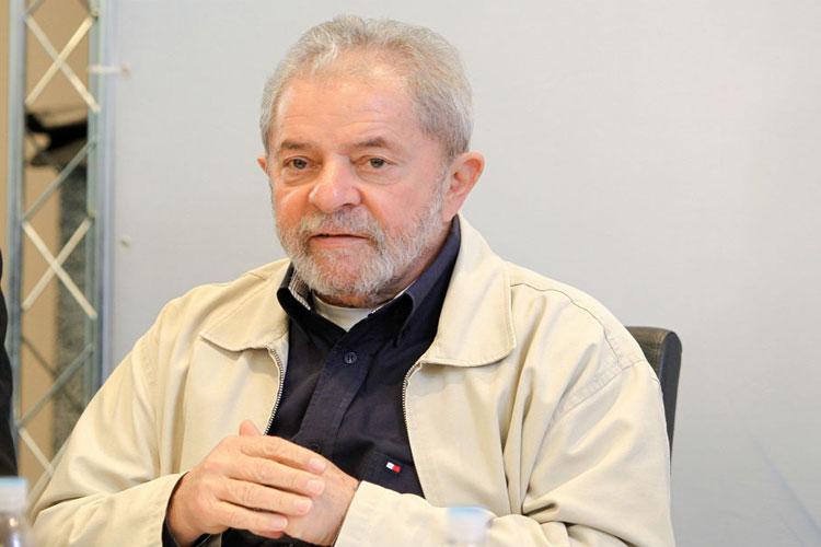 Edson Fachin nega novos pedidos de liberdade da defesa de Lula para evitar prisão