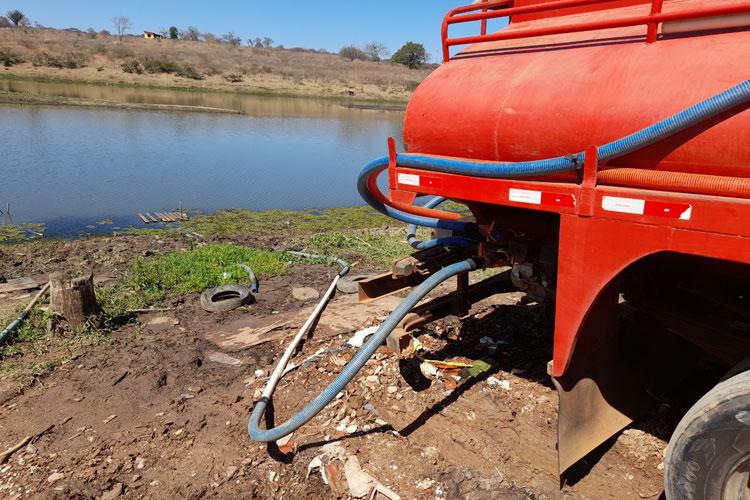 Brumado: Seca se agrava e ruralistas pagam R$ 250 por caminhão pipa com água bruta