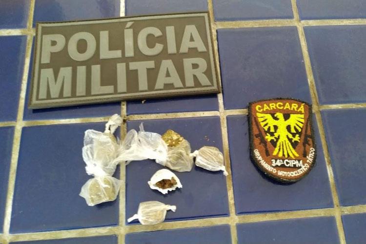 Jovem é preso com drogas no Bairro Dr. Juracy em Brumado