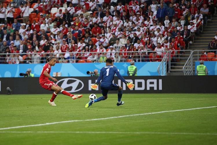 Copa 2018: Peru perde pênalti, e Dinamarca vence estreia