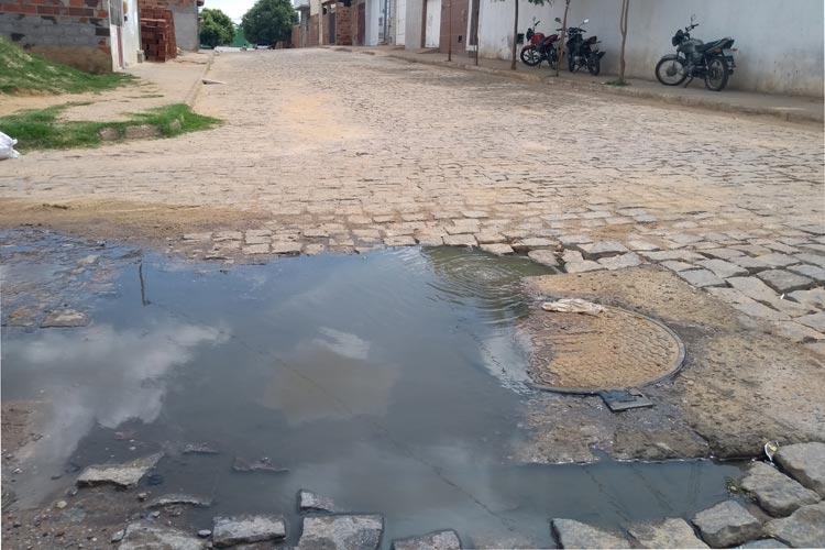 Mesmo em conflito com a Embasa, secretário acredita que a estatal fará o esgotamento sanitário de Brumado