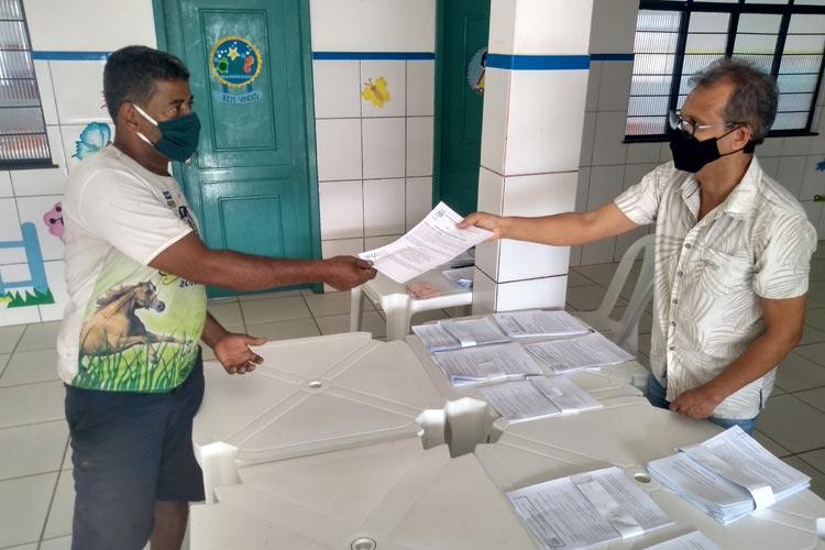 Brumado: Alunos que não têm acesso às aulas remotas recebem atividades escolares impresso