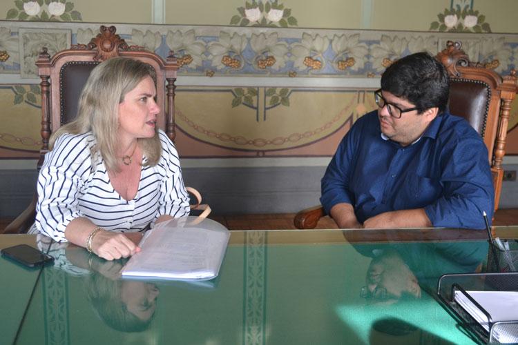 Deputada Ivana Bastos solicita apoio na Bahiatursa para Festa do Jatobá em Seabra