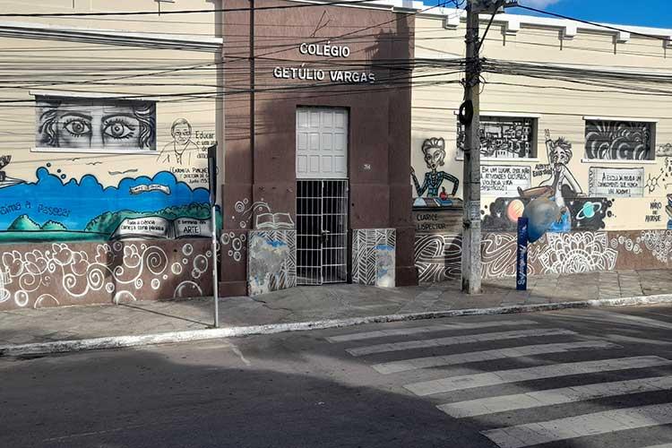 Brumado: Sem estrutura, Governo da Bahia não adota modelo de aulas emergenciais remotas