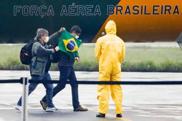 Coronavírus: Cai para três número de casos suspeitos no Brasil