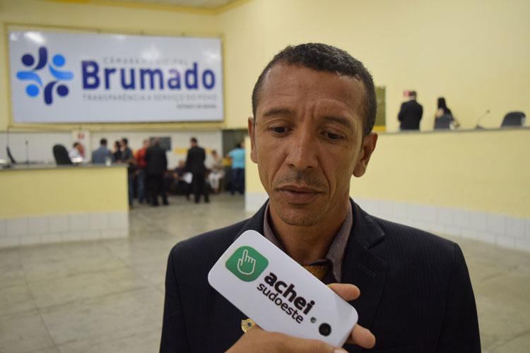 'É o prefeito quem comanda os votos na Câmara de Brumado', desabafou o vereador Lek Cabeleireiro